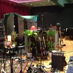 deep-in-the-jungle-another-pic-of-foals-recording-setup-in-assault-battery-2-250x250